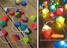 Handgefertigte, 2-farbige Oktaeder Lampenschirmchen aus Folie. Hier an einer 20er LED Lichterkette. 3m + 1,5m Zuleitung. Art, Madness, Garlands, Dekoration, Handmade, Art Background, Kunst, Performing Arts