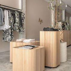 Retail Interior Design, Australian Interior Design, Showroom Design, Retail Store Design, Interior Shop, Retail Stores, Boutique Shop Interior, Small Store Design, Interior Design Offices