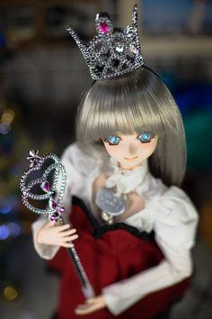 Dolly pop!モモドール発売中!(@dollypopsince22)さん | Twitter Dollypop!より発売予定のオリジナルドールの元になったお人形さんです。 名前は揚羽燦ちゃんで、揚羽蝶を思わせる目元と、3番目のデモ用ヘッドであることと燦然とした華やかさを掛けてこの名前になりました。