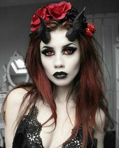 36 Best Spooky Devil Makeup Ideas That Trending For Halloween Halloween Costumes Women Scary, Fete Halloween, Halloween Makeup Looks, Costumes For Women, Black Girl Halloween Costume, Witch Costumes, Diy Costumes, Vintage Halloween, Halloween College