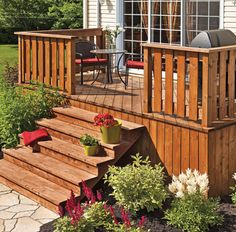 30 styles de garde-corps pour un look unique - Je Jardine Wood Deck Designs, Deck Railing Design, Patio Railing, Railing Ideas, Diy Pergola, Diy Deck, Pergola Kits, Pergola Ideas, Building Design Plan