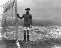 Huddersfield Town goalkeeper Bill Mercer in 1925.