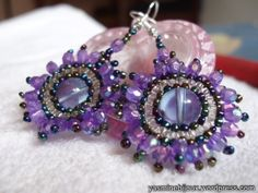 Beautiful Earrings, great step by step picture tutorial / PAP para lindos brincos com fotos #seed #bead #tutorials