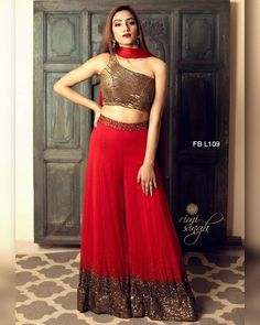 Indian Gowns Dresses, Indian Fashion Dresses, Indian Designer Outfits, Designer Party Wear Dresses, Kurti Designs Party Wear, Sharara Designs, Jolie Lingerie, Indian Bridal Outfits, Chiffon