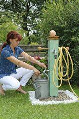 Bau und Anschluss einer Wasserzapfsäule im Garten