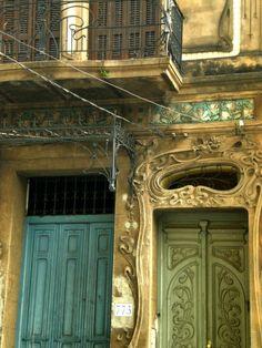 A wonderful example of Art Nouveau. Estudio Fratta by Architect Enrique Clari. Asunción, Paraguay www. Art Nouveau, Beautiful Architecture, Architecture Details, Places To Travel, Places To See, Ecuador, Southern Cone, When One Door Closes, Windows