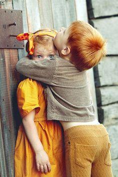 Photographer on duty Cute Baby Couple, Cute Couple Art, Cute Little Baby, Cute Baby Girl, Baby Love, Cute Babies, Precious Children, Beautiful Children, Beautiful Babies