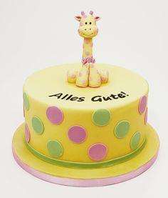 Eine süße Giraffentorte aus Fondant für den nächsten Kindergeburtstag! #cakeart #giraffe #kindergeburtstag #cakeinspiration
