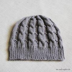 Hermines Zopfmütze – eine kostenlose Anleitung – (me and sophie) – Hair Internet Schmidt, Knitting Patterns, Crochet Patterns, Knitting Accessories, Vintage Knitting, Knitted Hats, Free Pattern, Knit Crochet, I Fall In Love