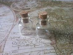 4  Mini-Glasflaschen mit Korken von Vossis Welt auf DaWanda.com
