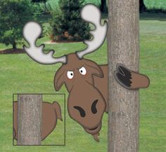 Peeking Moose Woodcrafting Project Plan Mostly hidden, this grumpy, peeking moose will add humor to any yard. Make him with the front hoof or rear projection. #diy #woodcraftpatterns