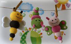 Hey, diesen tollen Etsy-Artikel fand ich bei https://www.etsy.com/de/listing/181219765/pattern-bug-rattles-butterfly-bee-and