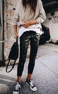 30 Beautiful Leather Outfit Ideas Copy Now Casual Fall Outfit Idea Black Leather Pants Plus Bag Plus Converse Plus Sweater Plus White Top Fashion Mode, Look Fashion, Autumn Fashion, Fashion Trends, Woman Fashion, Feminine Fashion, Fashion Ideas, Trendy Fashion, Petite Fashion