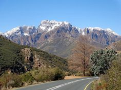 Du Toits Kloof Pass between Paarl and Worcester, Western Cape - South Africa. Beaches In The World, Countries Of The World, Places Around The World, All About Africa, Out Of Africa, Africa Rocks, Places To Travel, Places To Go, Africa Destinations