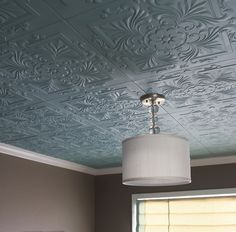 48 Unique and Simple Ceiling Design. Textured ceiling designs are becoming more and more popular nowadays with people starting to get more adventurous with their home décor. Simple Ceiling Design, Covering Popcorn Ceiling, Plafond Design, Diy Home Improvement, Home Repair, My New Room, Decoration, Home Remodeling, Kitchen Remodeling