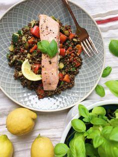 Krabi, Cobb Salad, Sushi, Meal Prep, Vegan Recipes, Meals, Fit, Dark Around Eyes, Meal