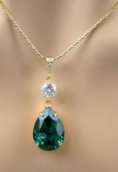 Emerald Green Necklace Swarovski Crystal Teardrop Necklace Gold Chain Wedding Jewelry Bridesmaid Gift 2013 Color of the Year Emerald Jewelry #emeraldnecklace #emeraldjewelry #GoldJewelleryNecklace