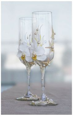 Pearl Wedding Glasses Wedding champagne glasses by IrenDesigns