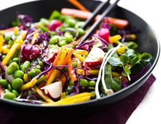 Edamame Salad is healthy, colorful, and crunchy ~ it's bean salad meets rainbow slaw, with an Asian twist. This easy no-mayo side dish goes with everything! Edamame Salad, Edamame Beans, Mango Salad, Chickpea Salad, Lemon Recipes, Curry Recipes, Vegetarian Recipes, Braai Salads, Vegetable Chart