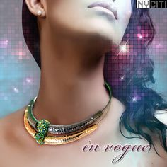 This Choker has an ultra modern touch to it, that multiplies the beauty of its traditional+contemporary look.