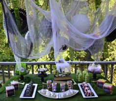 It's Halloweek!: Real Party/Fiesta Friday (On A Saturday) - Zombie Treat Table