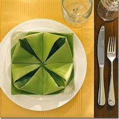 Lotus flower napkin fold - 20 Plus fun and unique napkin folding styles! Dress your table and impress your guests!