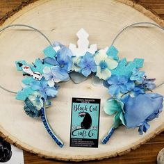 Frozen inspired floral Disney mouse ears ❄ find me on Etsy with the link in my info and also on Facebook for more updates on upcoming ears! #frozen #anna #elsa #olaf #princes #disneyprincess #disney #disneyparks #disneyland #disneyworld #eurodisney #disneycruise #disneycruiseline #disneyears #floralears #mouseears #happiestplaceonearth #dreamsdocometrue #disneyfreak #disneyadventures #disneyaddict #disneyhair #disneylove #disneylife #handmade #etsyshop #etsy #bccc #theblackcatco #blackcatco…