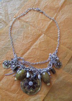 A vendre sur #vintedfrance ! http://www.vinted.fr/accessoires/colliers/15410870-collier-fleurs-et-breloque