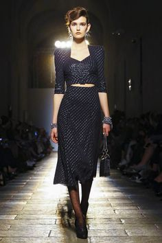 Watch the livestream of the Bottega Veneta show ready-to-wear collection Fall/Winter 2017 from Milan.