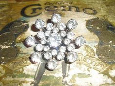 Vintage Coro Rhinestone Brooch - just in case someone might be shopping for my Christmas gift ... early ...