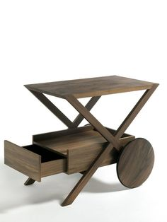 Dolcini Spritz Service Trolley - Service side table in canaletta walnut. Modern Home Furniture, Fine Furniture, Wooden Furniture, Furniture Design, Kitchen Island Bar, Wooden Wheel, Side Coffee Table, Table Desk, Home Accessories