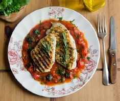 Boost your brain health with this chicken with tomato sauce recipe from brain imaging expert and founder of Brain Fit Life, Daniel Amen, MD. Chicken Tomato Sauce Recipe, Chicken Recipes, Top Recipes, Healthy Recipes, Healthy Dinners, Nutrition Tracker, Anti Inflammatory Recipes, Brain Food, Easy Salads