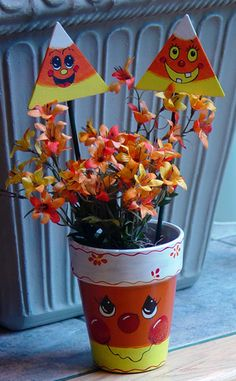 Painting Terracotta Pots Ideas | ... corn terra cotta pot make a candy corn terra cotta pot with a smile