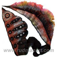 Черный шелковый префельт, черный австралийский суперфайн мерино, черный блюфел, радужный соевый микс, шелковые волокна, много шелка, черная синтетическая…
