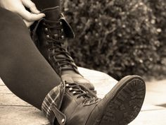 I really want a pair of combat boots that fold down like this!