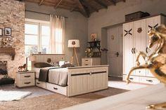 Cilek Royal Jugendzimmer 4-teilig. Royales Design mit vielen kleinen aber auffälligen Details.