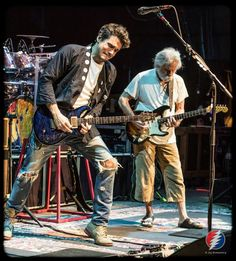 Dead and company.John Mayer and Bob Weir Grateful Dead Members, Music Stuff, My Music, Goofy Pictures, Goofy Pics, Mickey Hart, Bob Weir, Dead And Company, Allman Brothers