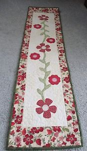 Lovely table runner with appliqued flowers.   Hand-Made-Quilted-Table-Runner-Topper-Mat-034-Floral-034-12-034-x-49-034