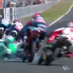 The most epic save in MotoGP Racing Motorcycles, Racing Bike, Motocross Videos, Bike Humor, Wow Video, Stunt Bike, Futuristic Motorcycle, Moto Bike, Super Bikes