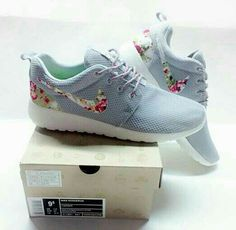 Nike Roshe Run Womens Shoes Flower Gray Silver All New 02 2 a877df5cc76