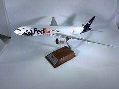"""JC Wings FedEx """"Panda Express"""" 777-200 N892FD, 1:200"""