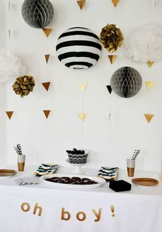 Elegant geometric white and gold glitter gender neutral baby shower | 10 Monochrome Party Ideas - Tinyme Blog