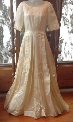 Stunning Vintage 50's Custom Ivory Satin Lace Wedding Dress Gown Sz 2