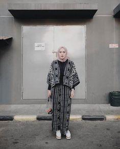 Fashion casual boho bohemian 61 Super Ideas Source by ratiharbarani fashion Trendy Fashion, Boho Fashion, Fashion Outfits, Fashion 2020, Latest Fashion, Casual Hijab Outfit, Casual Outfits, Hijab Fashion Casual, Hijab Chic