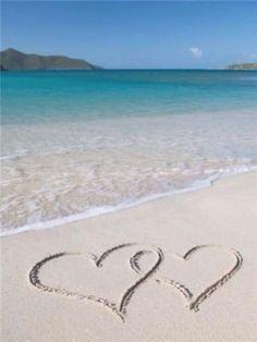 Locked Hearts on Beach - Diamond Painting Kit - FV7315 / 18x24/45x60cm