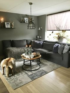 42 Inspiring Small Living Room Decor Ideas For Your Apartment To Try – Farmhouse interior livingroom Small Living Room Design, Cozy Living Rooms, Living Room Grey, Living Room Modern, Interior Design Living Room, Home And Living, Living Room Designs, Living Room Decor, Living Room Inspiration