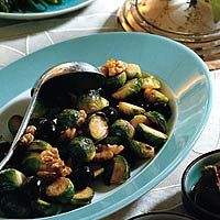 Recept - Spruitjes met walnoot en olijven - Allerhande