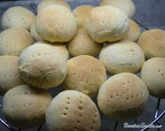 Upload your photo Easy kneading bread recipe Write comment about Easy kneading bread Mary de Silva I just made this recipe, I hope Chilean Recipes, Chilean Food, Spanish Cuisine, Pan Bread, Happy Foods, Desert Recipes, Quick Easy Meals, Baked Goods, Bread Recipes
