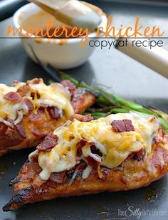 Monterey Chicken {Copycat Recipe}, grilled chicken basted in Honey BBQ sauce and piled high with bacon and melty cheese!