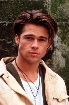 Brad Pitt w młodości – Brad Pitt – jak sie zmieniał – zdjęcia aktora sprzed … Beautiful Boys, Pretty Boys, Junger Brad Pitt, Celebs, Celebrities, Pixie Cut, Johnny Depp, Hot Boys, Celebrity Crush